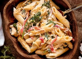 Ideas saludables y deliciosas para combinar pasta y pollo en tus ensaladas frías