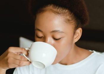 Tipos de té relajantes para dormir bien y lograr un sueño profundo