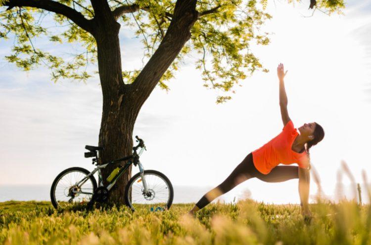Dale una oportunidad a estos fáciles ejercicios de yoga