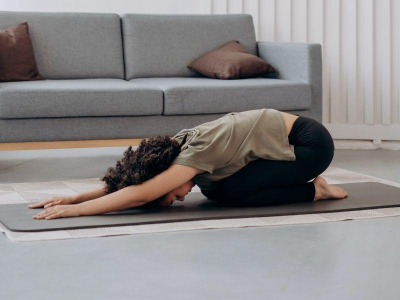 Ejercicios que puedes realizar antes de dormir y despertar renovada