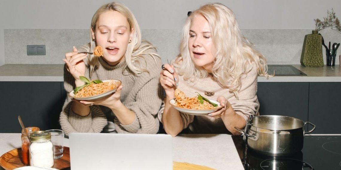 Dieta inversa: ¿aumentar las calorías nos puede ayudar a perder peso?