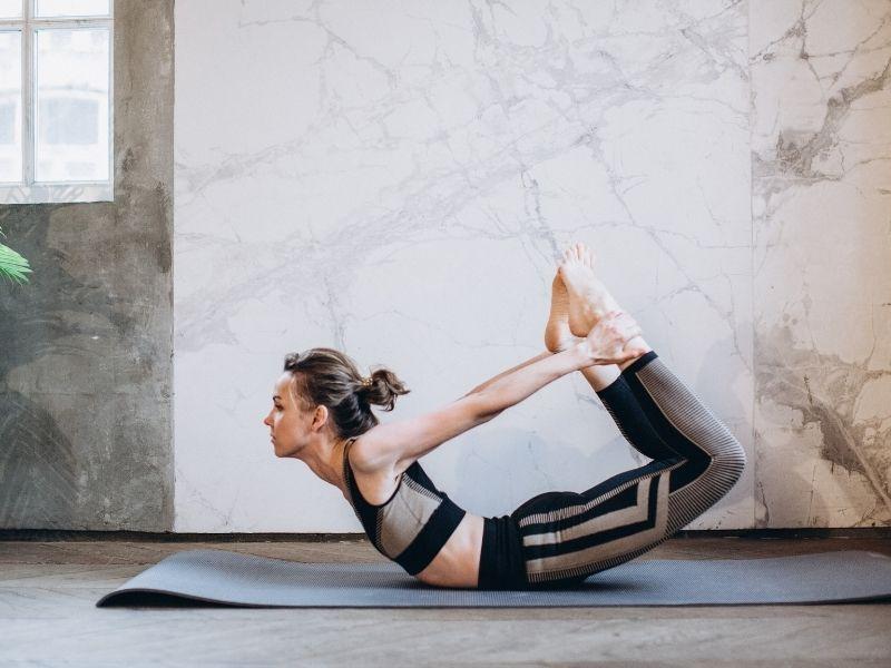 ¿Cómo podemos adelgazar con yoga?