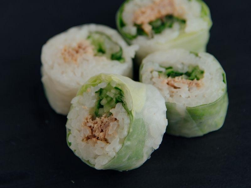 Intenta preparar esta opción vegana de sushi de manera rápida y fácil