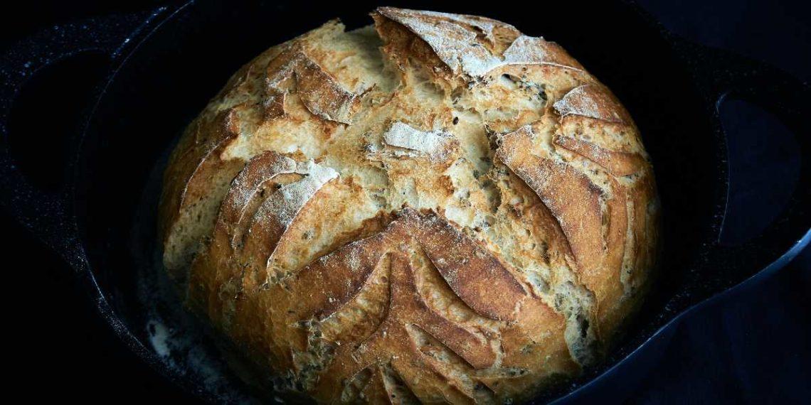 Pan de queso cheddar, un delicioso acompañante fácil de hacer