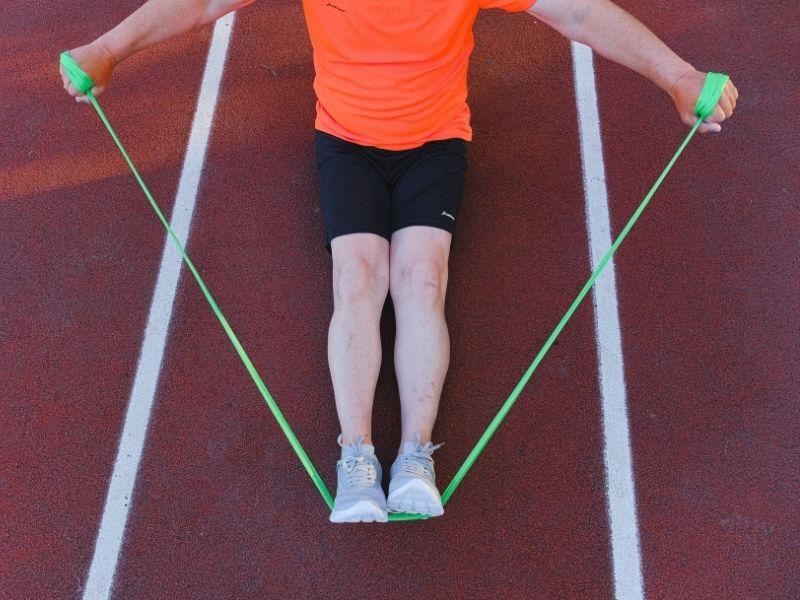 Rutina de ejercicios para fortalecer espalda con banda elástica