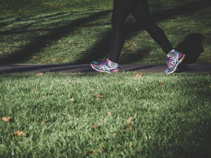 Hábitos en la mañana que te pueden ayudar a bajar de peso