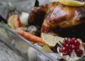 Pollo al horno con papas y cebolla: una receta casera y fácil de hacer