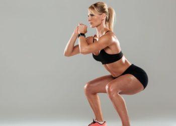 Tipos de sentadilla para levantar glúteos y trabajar el abdomen