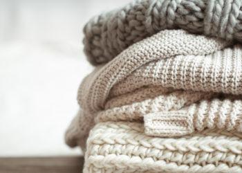 Elimina el mal olor de la ropa guardada con una pizca de bicarbonato: sigue estos pasos