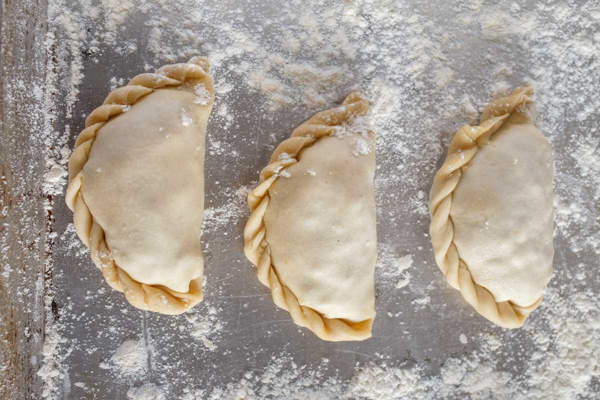 Deléitate con estas deliciosas empanadillas de boloñesa