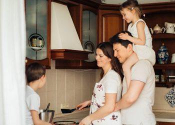 ¿Por qué es beneficioso cocinar en familia?