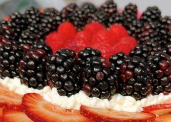Pavlova casera de almendras con dulce de leche y fresas: un irresistible postre